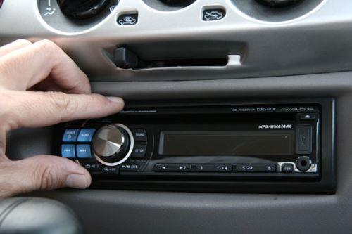 Как выбрать автомобильную магнитолу
