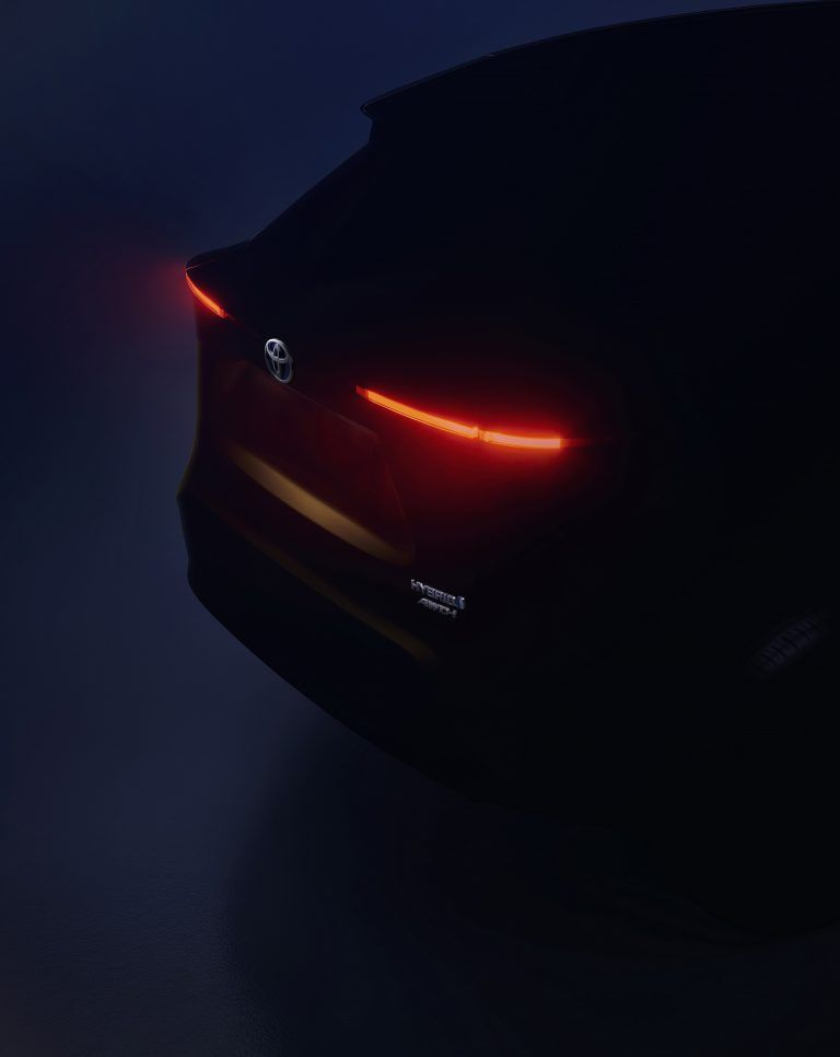Тизер нового кроссовера Toyota
