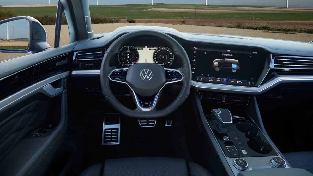 салон Volkswagen Touareg R