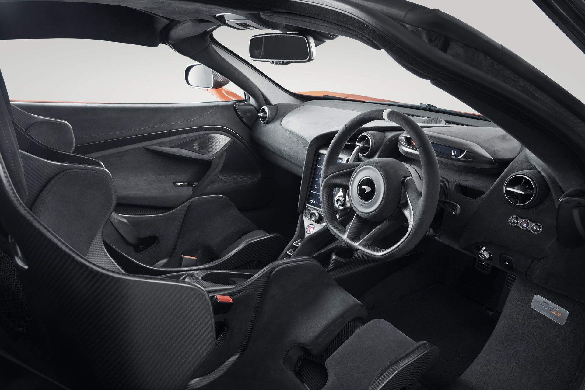 Интерьер McLaren 765LT