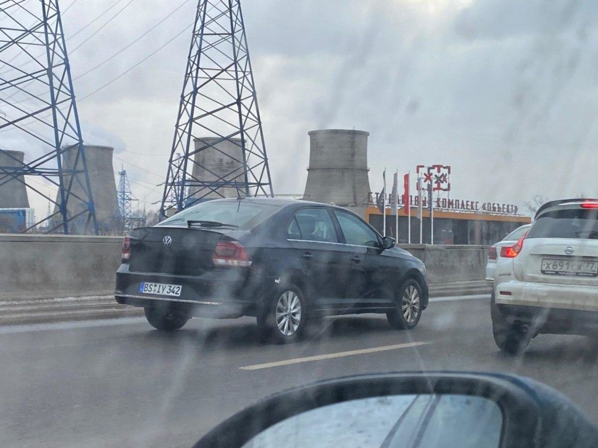 новый лифтбек Volkswagen Polo
